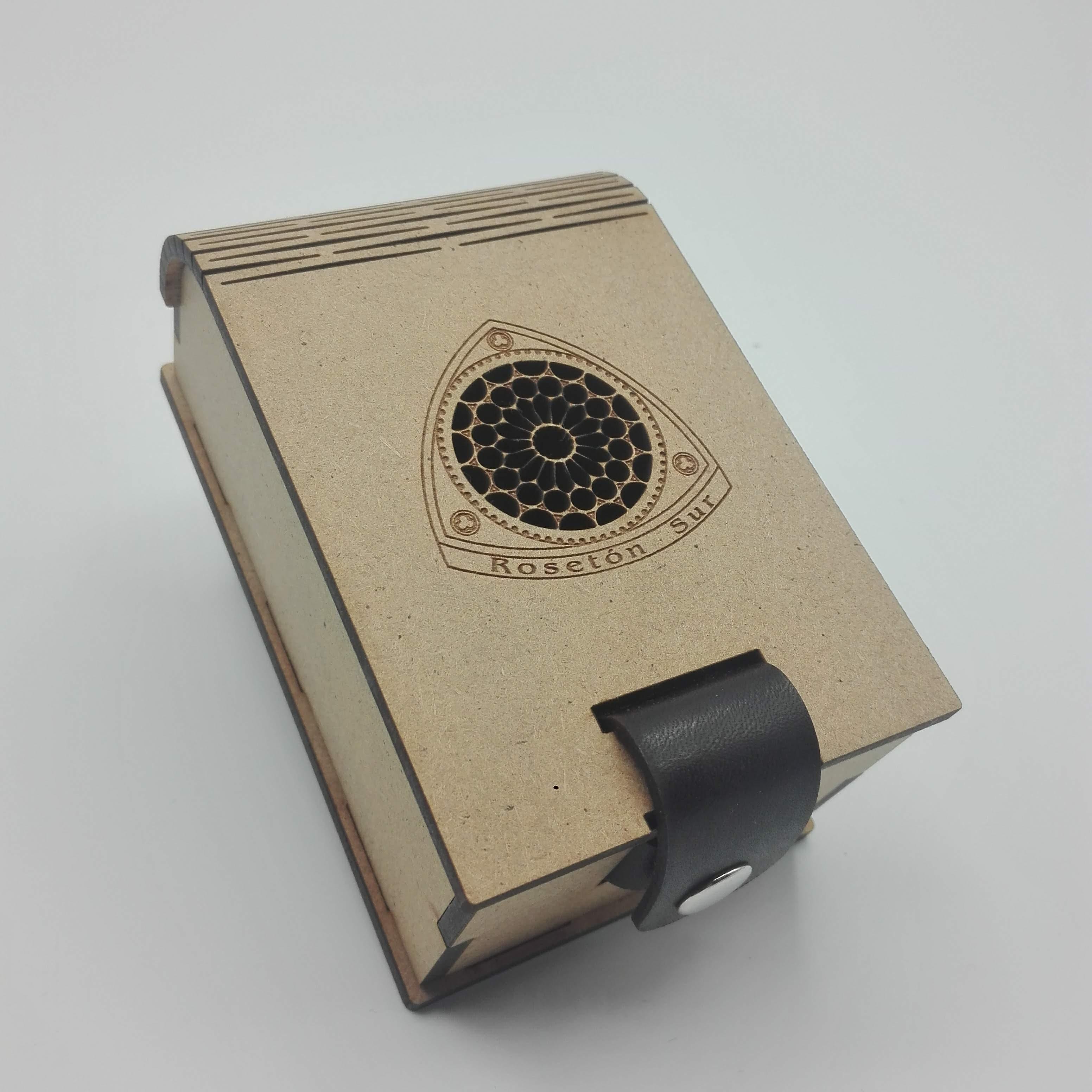Caja Rosetón Sur -Cierre cuero-(pequeña)